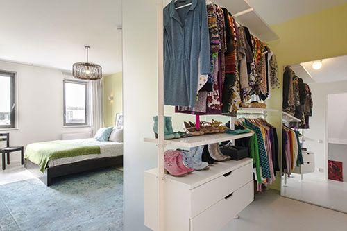 Slaapkamer met inloopkast   Interieur inrichting
