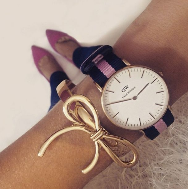 Learning to accessorise can seem a bit daunting sometimes but when it's done right, it looks great. Like this #DanielWellington watch paired with a gold bow (and those shoes)!   Do you accessorise your watch? Tell us or share a pic with us in our comments below.   View our range in-store now at shop 255, Level 2, Westfield Shopping Plaza Penrith. #Love #DanielWellington #Watch #Swag