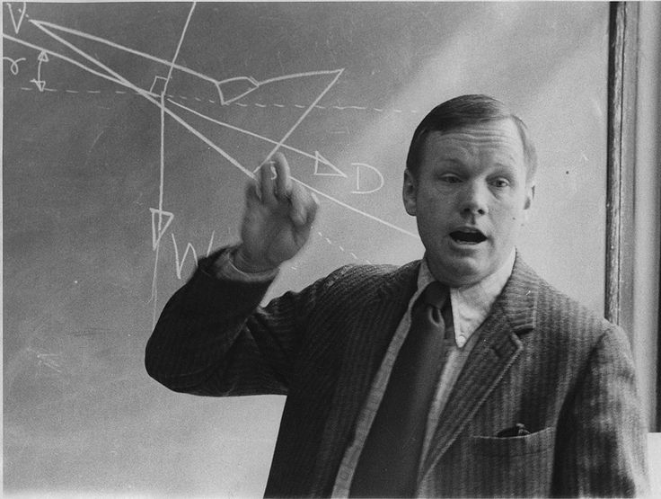 Professor Neil Armstrong teaches an aerospace engineering class at the University of Cincinnati. 1974. [800 x 604]