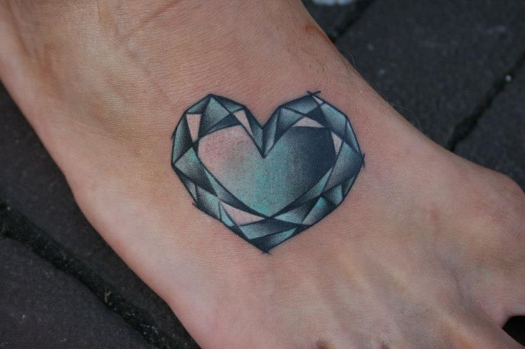 38 best diamond heart tattoo images on pinterest tattoo ideas tattoo diamond and diamond tattoos. Black Bedroom Furniture Sets. Home Design Ideas