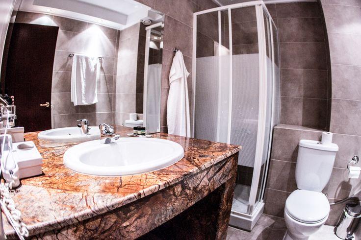 Δίκλινο Δωμάτιο #ξενοδοχείο #Τιτάγιον #Λϊμνη Πλαστήρα #Λαμπερό