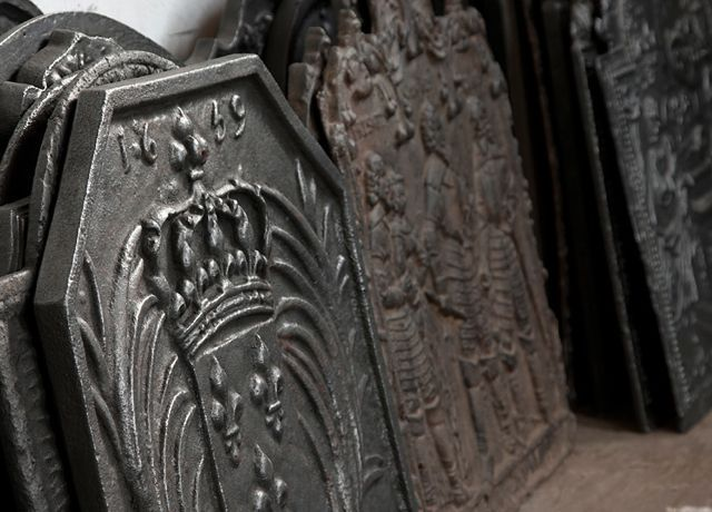 Antieke haardplaten te koop bij https://www.haardplaat.com