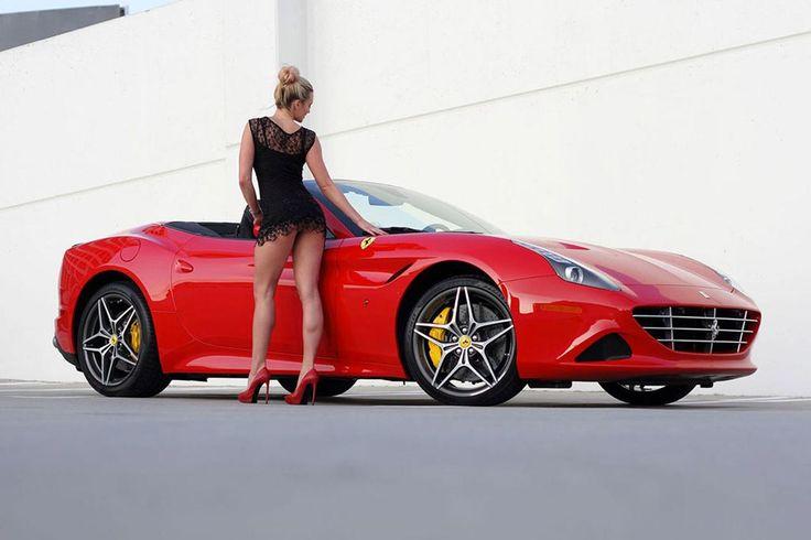 Ferrari California T, o masina exotica langa o femeie exotica. O companie care inchiriaza masini exotice, unele dintre cele mai dorite super