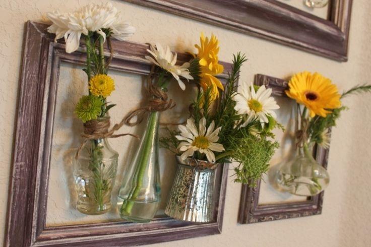 Decor cu rame si flori. Detalii pe BricoHub.ro