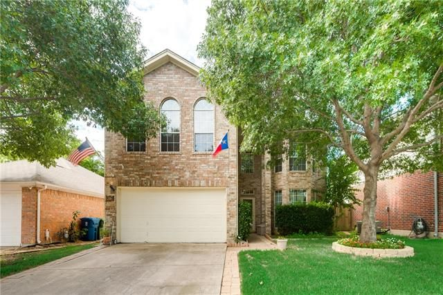 Today's #ListingOfTheDay is this well-maintained 4/2.5/2 with open #floorplan that has 2 living, 1 dining providing tons of space for entertaining. - 413 WENTWORTH DRIVE, FLOWER MOUND, TX 75028 – 'bit Southern Realty Group | eXp Realty