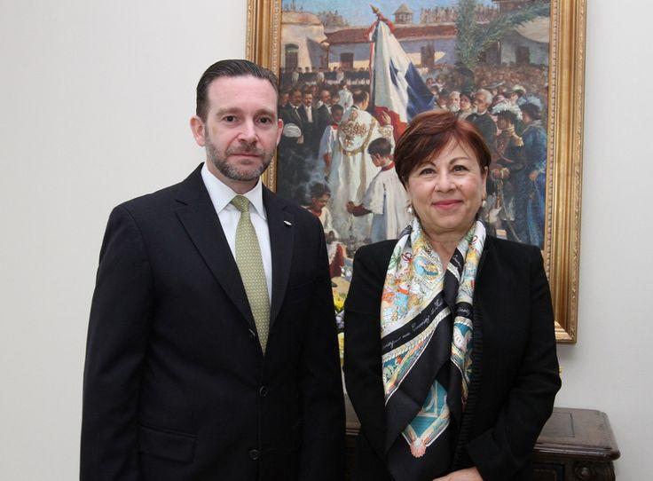 Kadriye Şanıvar Olgun,   Protokol Genel Müdürü ve 16 Ocak 2012 tarihinden 14 Şubat 2014'e değin Norveç büyükelçiliği görevini sürdürmüş olup 4 Mart 2014 tarihi itibariyle Panama büyükelçiliği görevini yürütmektedir. Bekar olup bir kızı vardır. İngilizce, Fransızca ve İspanyolca bilmektedir.