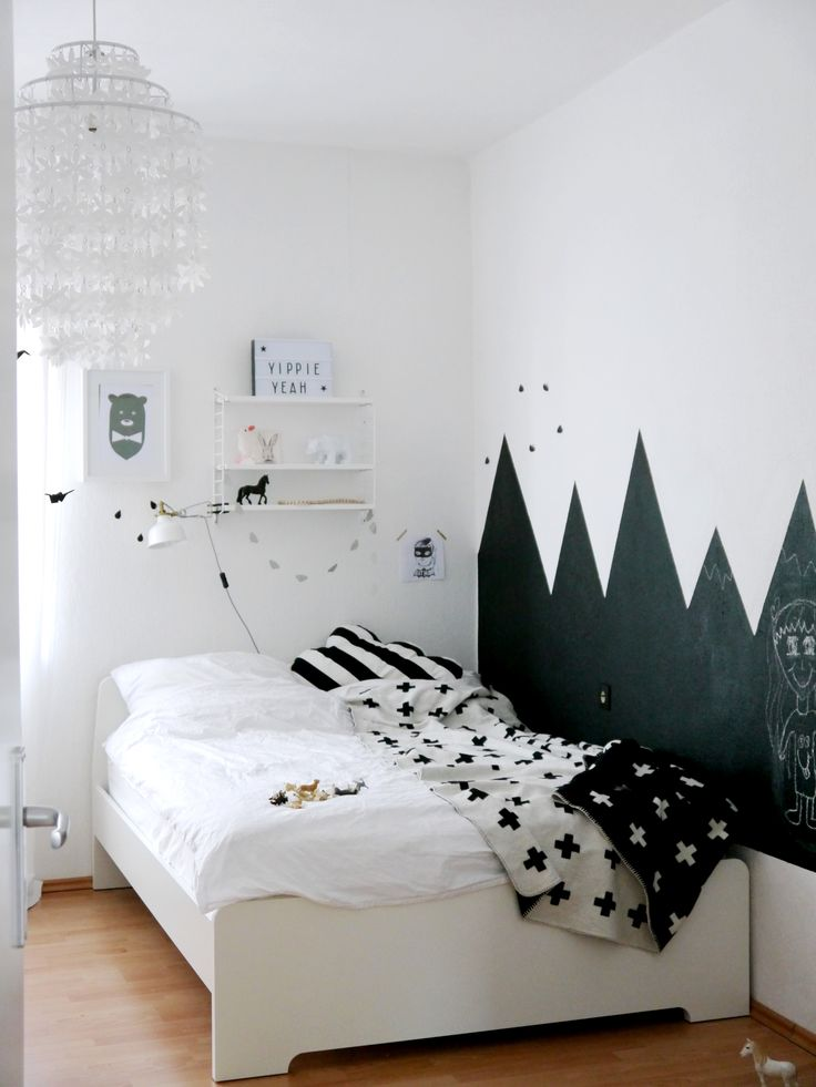 kinderzimmer schwarz wei tafellack jungenzimmer schwarz. Black Bedroom Furniture Sets. Home Design Ideas