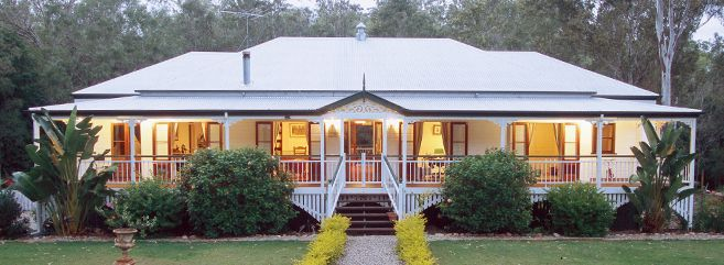 Classic queenslander - Older style Australian house. Description from pinterest.com. I searched for this on bing.com/images