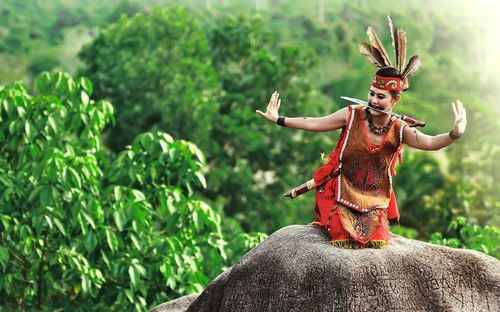 Mandau Dance, Central Kalimantan, Indonesia. (by Prayudi nugraha)