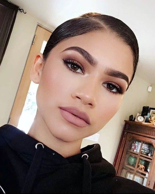 african-american-girl, smokey eyes, matte lips, big lips, best lip stick for big lips