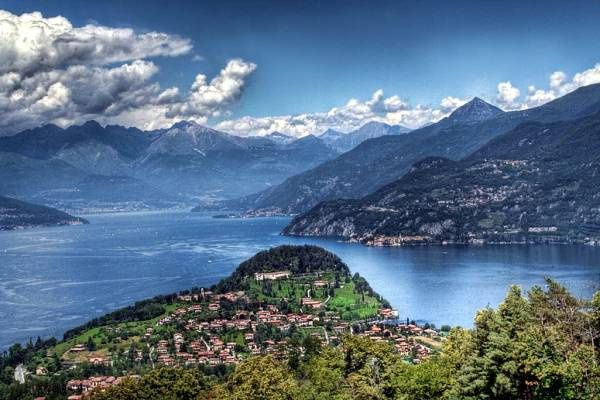 Jezero Como ve tvaru Y v Itálii