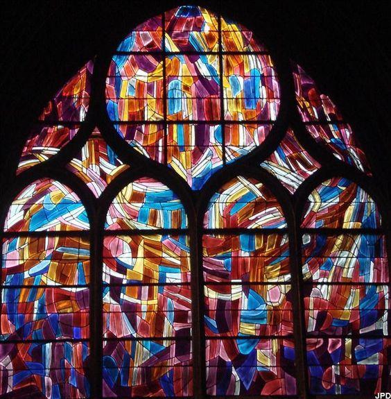 Жан Базен (фр. Jean René Bazaine,1904-2001) — французский живописец, витражист, мозаичист, книжный иллюстратор, представитель новой Парижской школы.