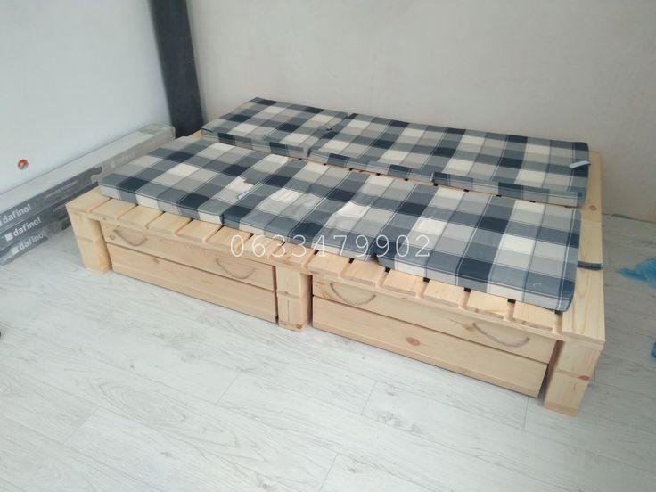 Кровать-подиум, стилизация паллет/поддонов. Весь материал новый. Биозащита + бесцветный лак. Выдвижные ящики на роликах для хранения. Размеры любые, цвет по желанию.  Цена зависит от размеров самой кровати, от количества и размеров ящиков.  #кровать #кроватьиздерева #мебельизподдонов #мебельизподдоновкиев #кроватьизпаллет #мебельизпаллет #экомебель #мебельиздерева #мебельдлякафе #мебельдлябара #кроватьизподдонов #мебельизпаллеткиев #wood #diy #bedframe #pallet #handmade #madeinukraine
