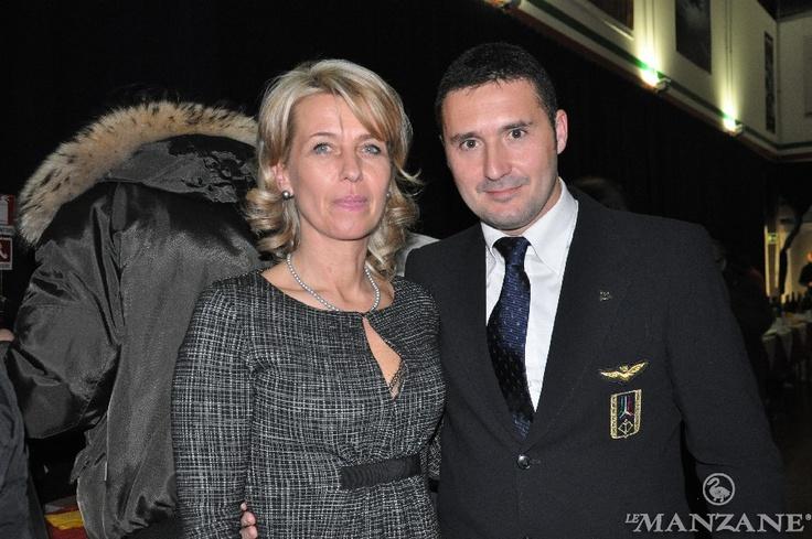 Silvana Ceschin con il Cap. Pil. Stefano Centioni