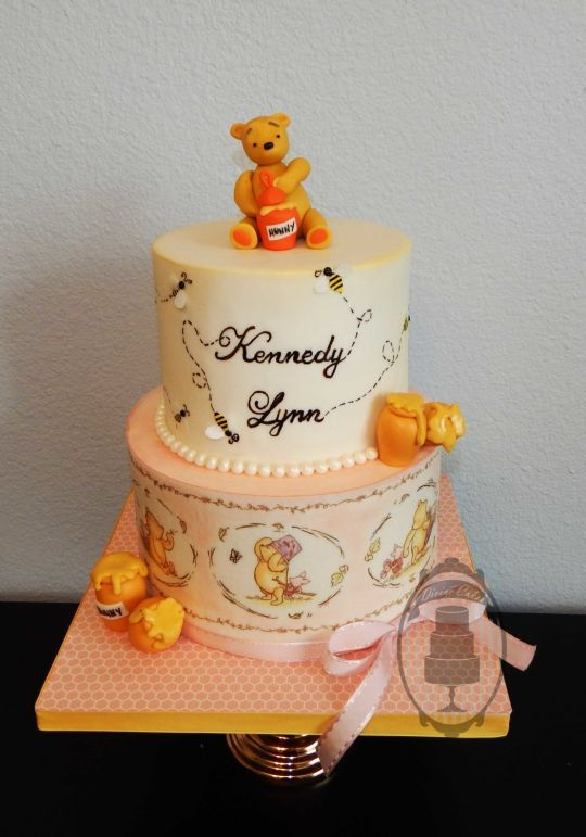 1000  ideas about winnie the pooh cake on pinterest