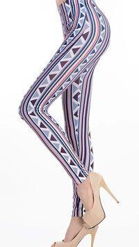 Wat deze legging zo bijzonder maakt zijn de diepe kleuren en de subtiele patronen. Door deze details kom je stijlvol voor de dag. #kadehandel #trendyleggingsfashion #leggings #patroonprint #driehoeken