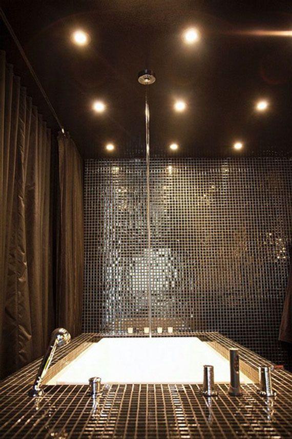 kronleuchter f r badezimmer ein spiegel f r das g stebad. Black Bedroom Furniture Sets. Home Design Ideas