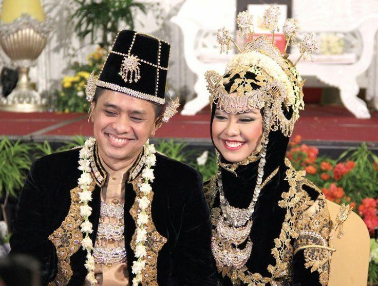 javanese muslim wedding #hijabwedding #khimar #indonesia #javanese