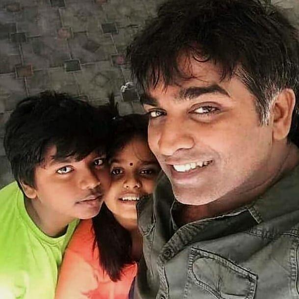 VijaySethupathi with his Son nd Daughter !! #TamilGlitz