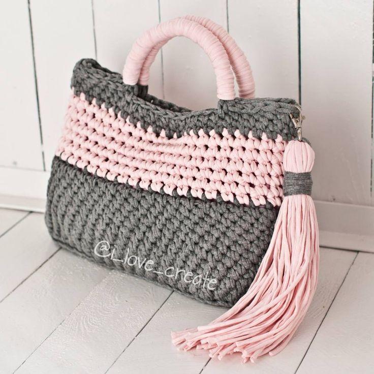 "155 Likes, 14 Comments - СУМКИ,ШЛЯПЫ,КАРДИГАНЫ (@i_love_create) on Instagram: ""Сумочка под заказ Размер 37×28 Цена 950 грн 80992858726 #handmade #crocheting #crochetbags…"""