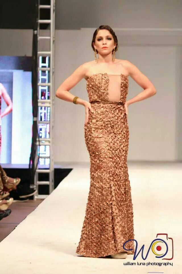 Long dress by Rebeca Ruiz Galloza. Rasgos Collection