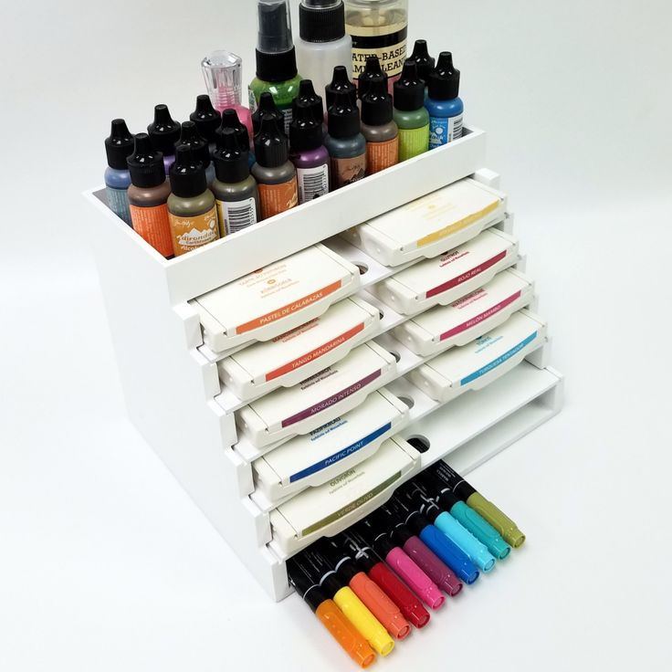 The Pen & Ink Palace is ideal for storing ink pads and markers together.