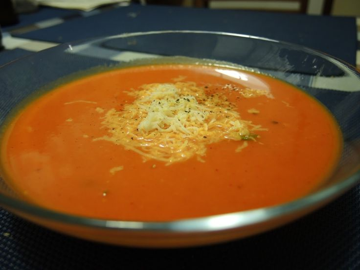 Ďalšie obľúbené recepty: Tip na nedeľný obed | Krémová polievka z pečených paprík a Rezne pod perinou Krémová hrachová polievka Tip na nedeľný obed | Hrášková krémová polievka a Segedínsky guláš TIP na nedeľný obed | Krémová mrkvová polievka a falošná sviečková Tip na nedeľný obed | Polievka z pečených paradajok s knedličkami a Cestoviny  …  Continue reading →