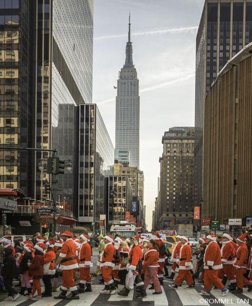 Santacon takes New York City by @rtanphoto#newyork #newyorkcity #nyc #manhattan #brooklyn #photography