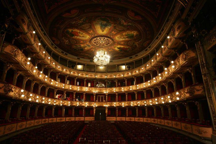 Teatro de Cristobal Colon in Bogota