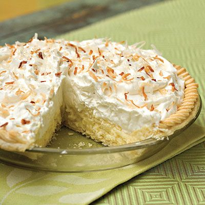 Coconut Cream Pie | When it comes to pie recipes, this classic coconut pie recipe takes the blue ribbon. A refrigerated pie crust makes it easy, and the whipped cream and toasted coconut make it stunning.