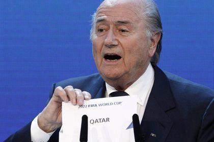 Арабские страны потребовали лишить Катар ЧМ-2022       Шесть арабских государств потребовали от Международной федерации футбола (ФИФА) перенести чемпионат мира 2022 года из Катара. Об этом глава ФИФА Джанни Инфантино сообщил изданию The Local. Он отметил, что с требованием выступили Саудовская Аравия, Йемен, Мавритания, ОАЭ, Бахрейн и Египет.