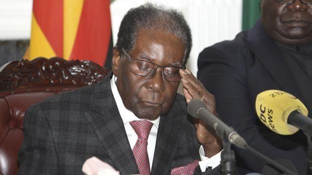 Zanu PF members set to discuss Mugabe's impeachment #zimbabwe