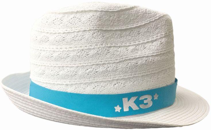 Schijnt de zon in je ogen? Met dit witte linnen hoedje van K3 heb je daar geen last meer van. De maat is 5-8 jaar.   Afmeting: volgt later.. - Hoedje K3 wit linnen