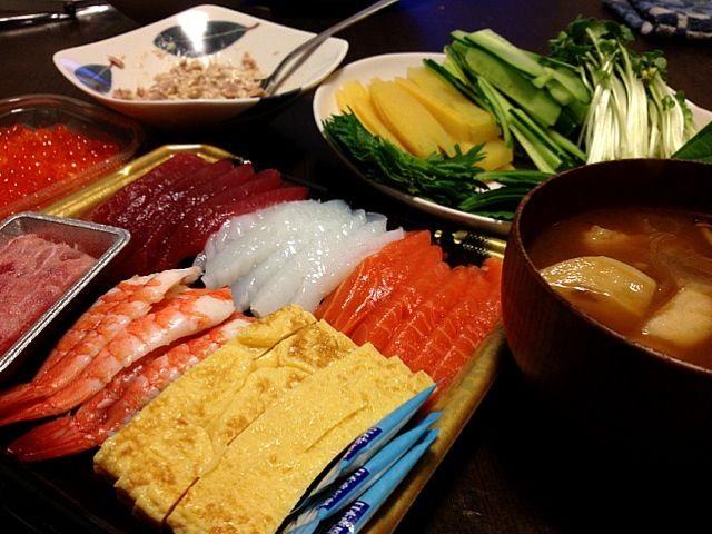 10.18 赤だし味噌汁 - 2件のもぐもぐ - 手巻き寿司 by yumi323mashisso