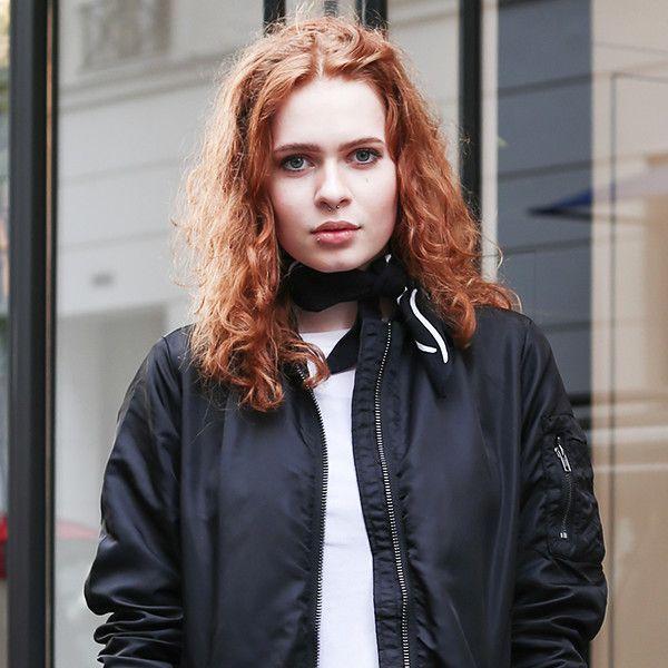 おしゃれパリジェンヌは何着てる? パリの街角でキャッチしたトレンドスタイル&着こなしをお届け。