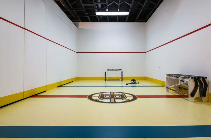 Hockey rink in the basement by Redstart of Naperville (photography by focus-pocus.biz)