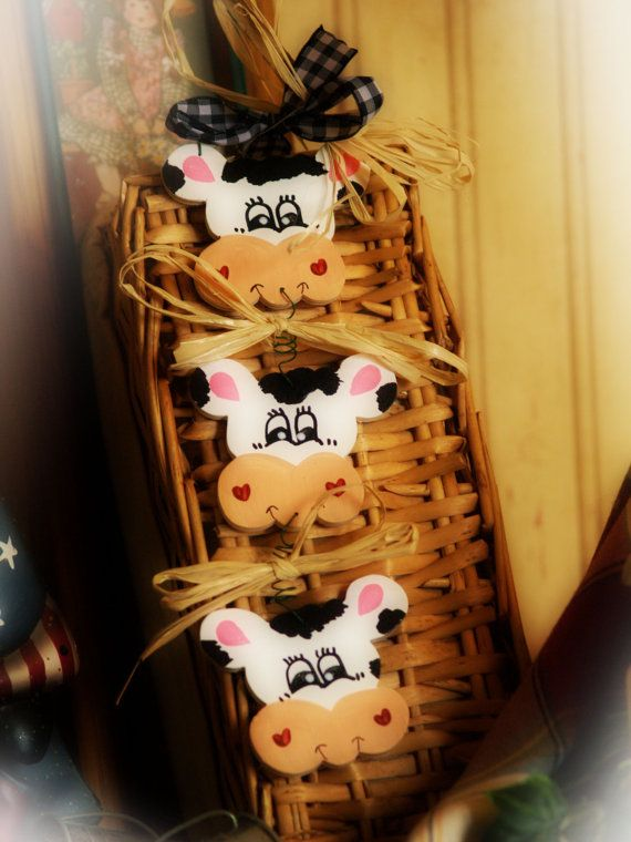 1000 images about my cow kitchen theme idea 39 s on pinterest a cow cow print and dairy - Kitchen cow theme ...