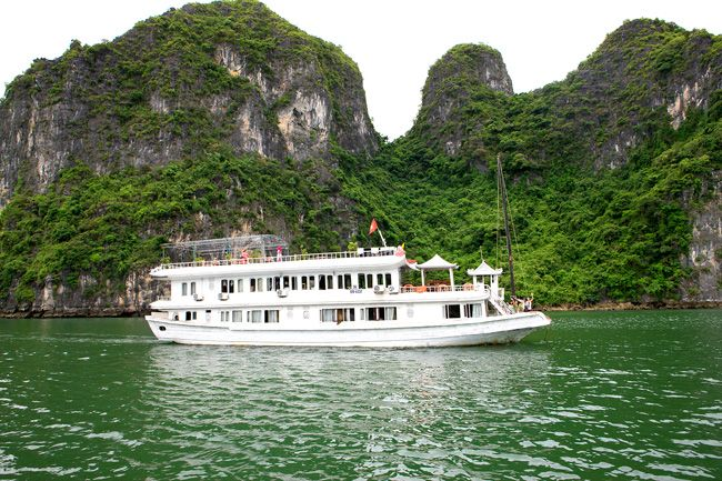 This #VietnamTours takes you to the quintessential destinations from north to south. Vietnam has the deluxe beach among the beaches of total Southeast Asia. Know more info @ http://www.welcomevietnamtours.vn/