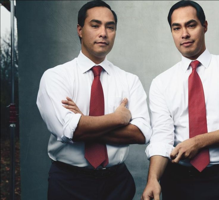 WASHINGTON - Texas politicians Joaquin and Julián Castro tell their family story and discuss career ambitions in the March issue of Vogue, which features photos of the pair by acclaimed portrait