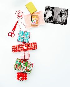 Fun advent chain with little gifts. =)