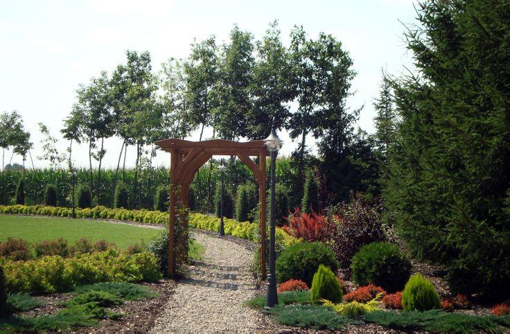Ogród przy Hotelu pd Dębami, realizacja 2012 Kobylany.