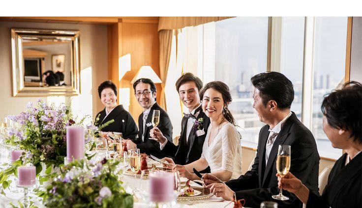 ホテル挙式97,200円。ホテル インターコンチネンタル 東京ベイ ( オーシャンビューチャペル・トーキョーベイ )の公式サイト。ホテルインターコンチネンタル(東京・浜松町)24階にある東京湾の眺望が自慢の結婚式をご提供。プランにはウェディングドレスや結婚写真も含み、メイク室や親族控室も充実。東京駅、品川駅、羽田空港からも便利!