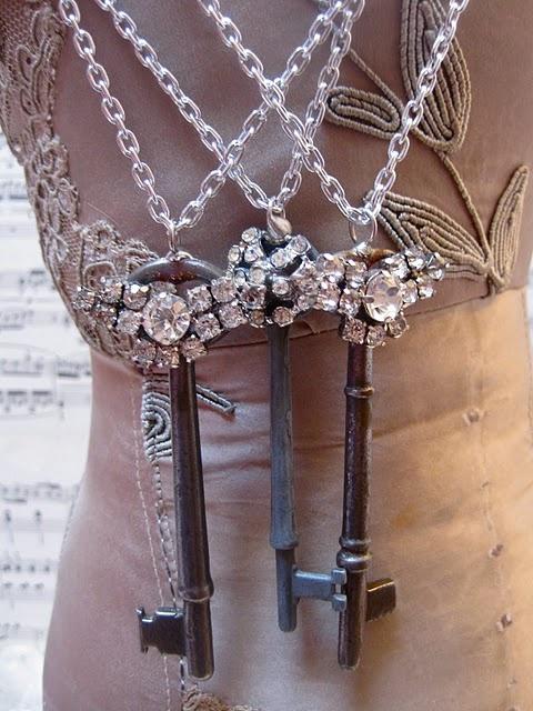 Hey @nikki striefler Spiers, didn't you get some old keys at my craft purge?