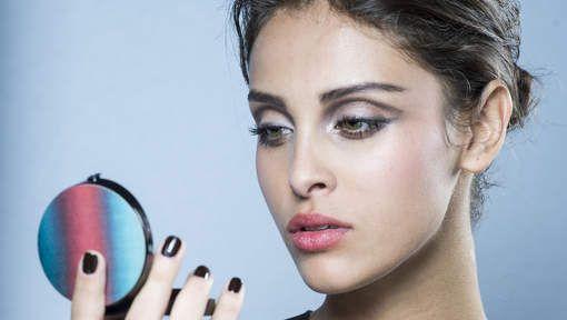 Zo zagen de make-uplooks eruit op de Armani catwalk - HLN.be