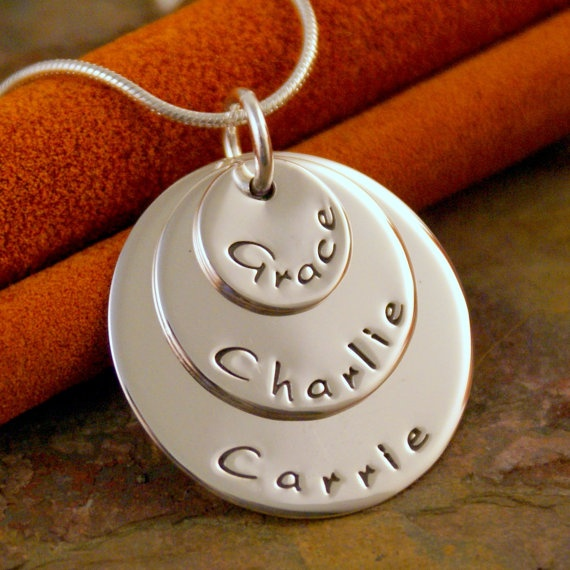 Love this necklace!Tasty Recipe, Hands Stamps, Mothersday, Stamps Jewelry, So Cute, Gift Ideas, Kids Names, Mothers Day Necklaces Kids, Crafty Ideas