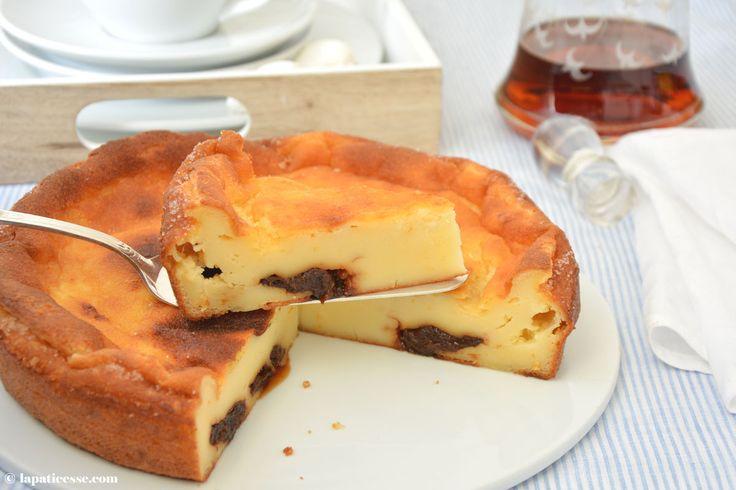 Far breton aus der Bretagne mit Beurre noisett und Trockenpflaumen aus Agen. Für Liebhaber der französischen Halbinsel ist dieses leckere Rezept ein Muss.