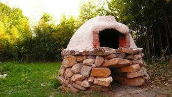Aunt Forni - Forno a legna popolare: Nura-Forno: muro a secco, terra cruda, copertura in calce