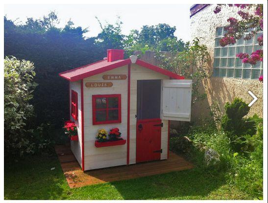 Casita de madera infantil gille en colores rojo y blanco for Casita infantil jardin
