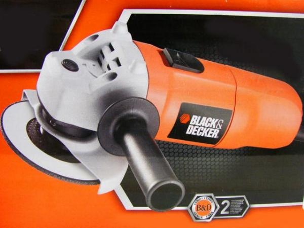 Today's top offer: Angle grinder KG915 by Black & Decker - only 25.00 Euro per piece!