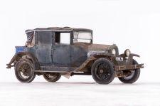 Voisin Type C7 berline de voyage Louis Gallé - 1925. Artcurial Motorcars, Rétromobile 2015, Vente N° 2651 (Collection Baillon) - Lot N° 6.